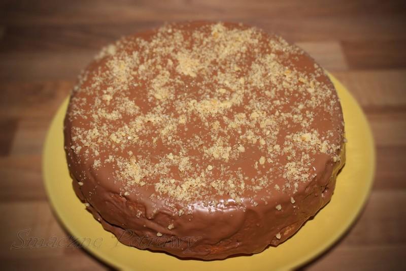 Ciasto orzechowe polane czekoladą