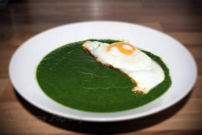 Zupa krem ze szpinaku z jajkiem